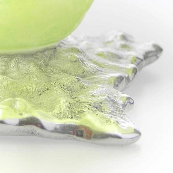 Schale aus Glas und Metall